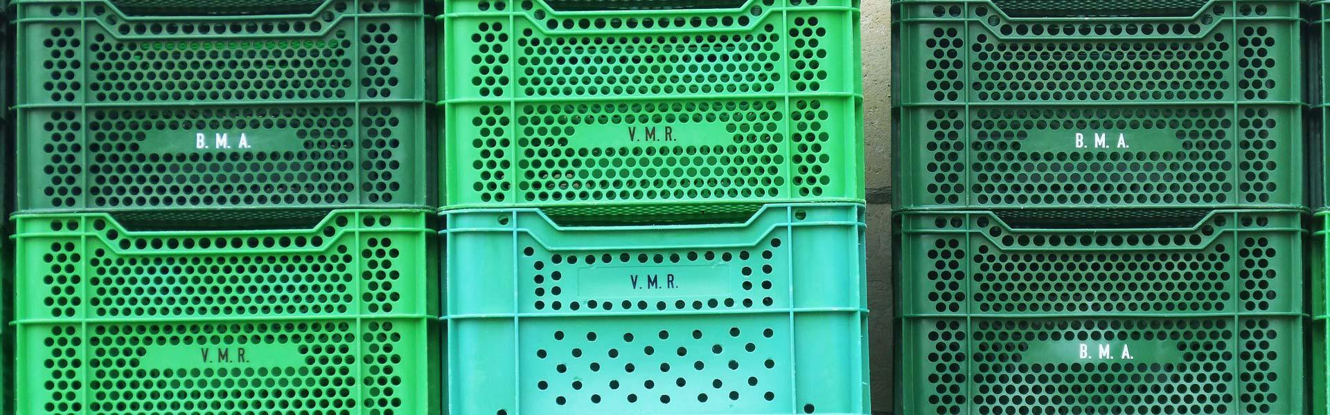 plastic-storage-crates